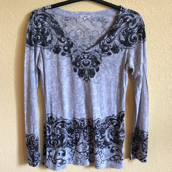 Cache Tops - Cache Gray And Black Top